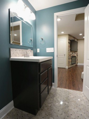 08f103b707c81669_5074-w550-h734-b0-p0-contemporary-bathroom